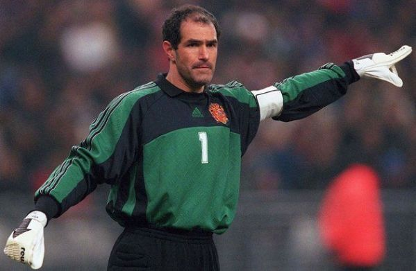 BEST SPANISH FOOTBALLERS OF ALL TIME: TOP 10